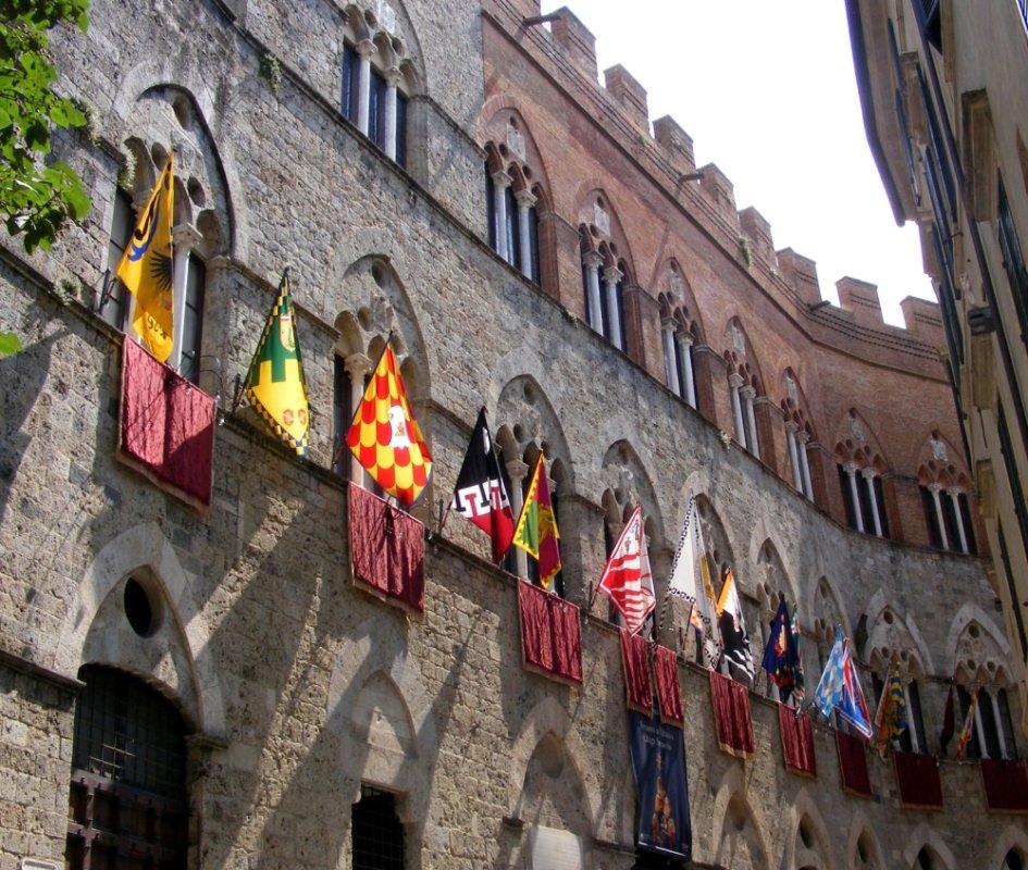 Siena_-_Palazzo_Chigi-Saracini_02